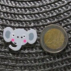 Bouton tête d'éléphant en bois - gris  - 2Bouton tête d' éléphant - gris Plat - 2 trous En Bois Hauteur : 2.1 cm - Largeur : 3.