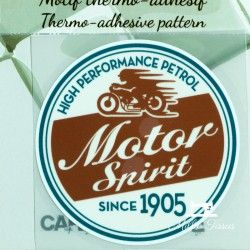 Motif thermo-adhésif Motor Spirit  - 1Motif thermo-adhésif - Motor Spirit Largeur : 7,1cm X Hauteur : 7,1cm  Vendu à l'unité