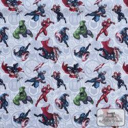 Tissu coton Marvel X10cm - Gris  - 1TissucotonMarvel - Gris 100% coton - Bio certifié GOTS et OekoTex Hauteurdes personnages