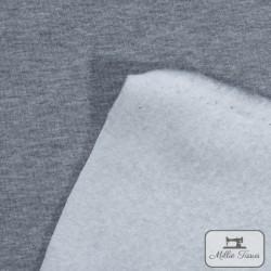 Tissu sweat uni X10cm - gris  - 3Tissusweat molletonné -gris envers blanc 70% coton , 30% polyester Laize d'1m40 Le tissu est